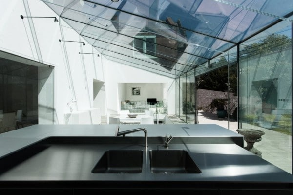 House_With_Glass_05