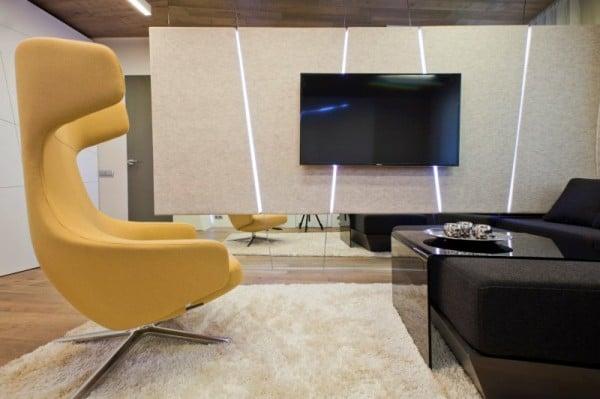 TV_Room_03