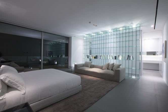 3-Modern-bedroom-665x443