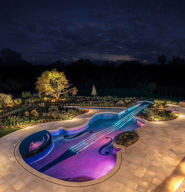 stradivarius-violin-pool-2